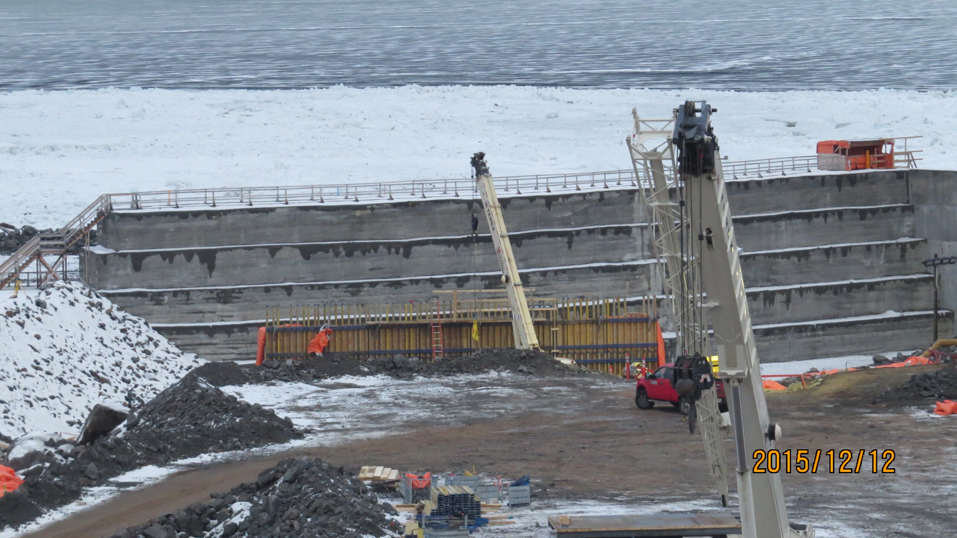 Construction of the intake cofferdam at the site of the Muskrat Falls generating facility