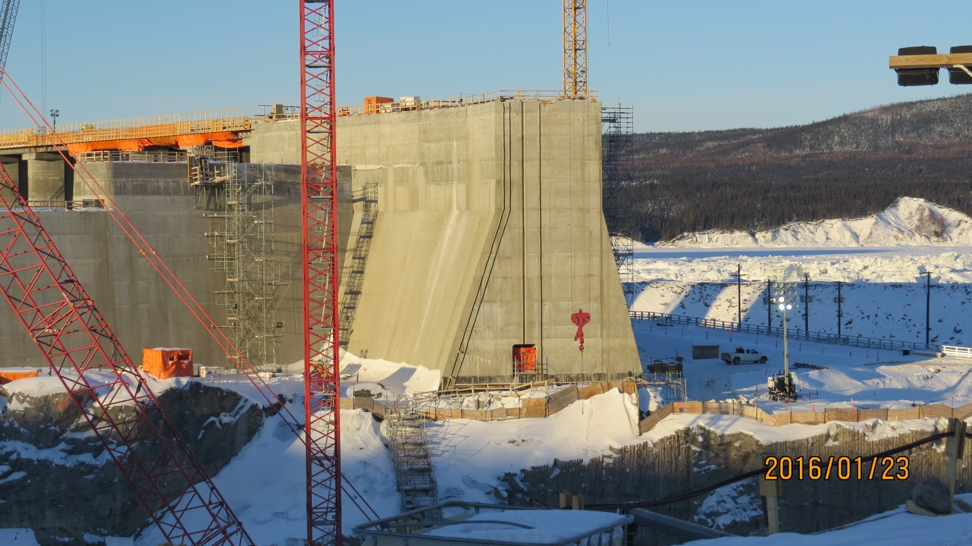 MF CENTRE TRANSITION DAM