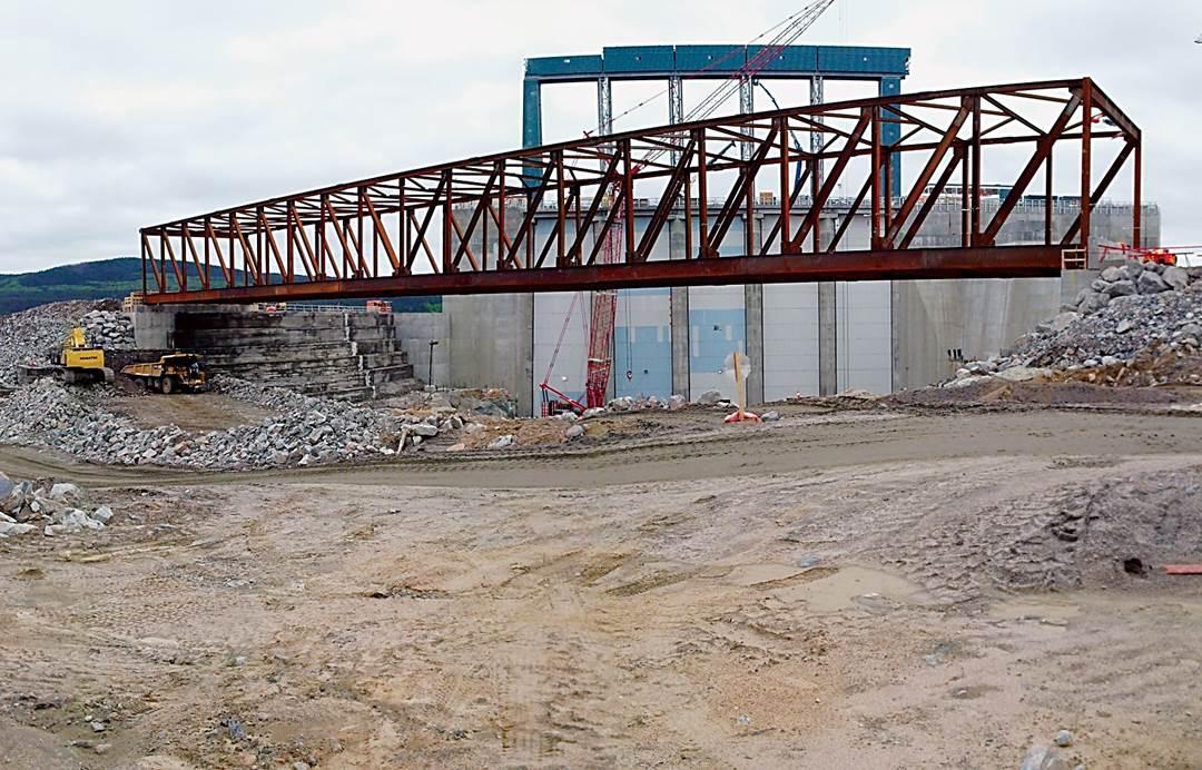 Spillway temporary bridge