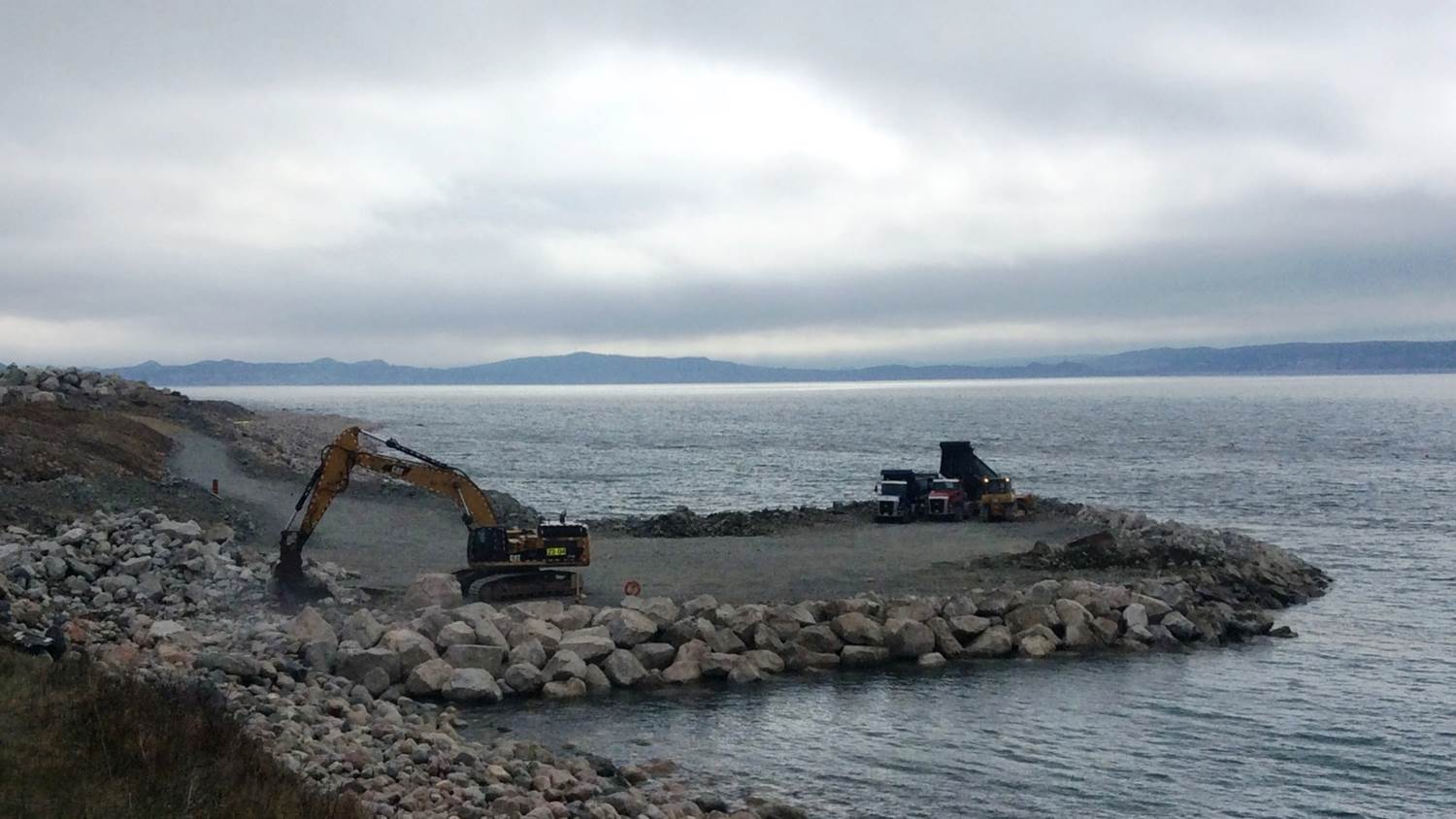 Grounding station construction at Dowdens Point CBS.jpg